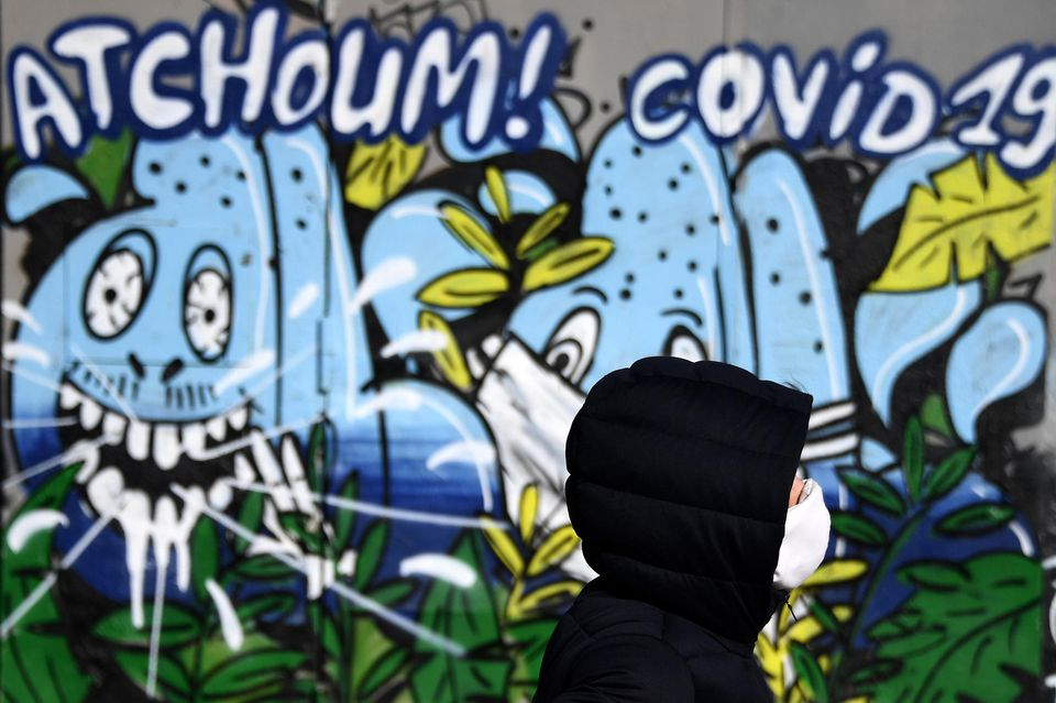 Graffiti of Atchoum! COVID-19 in Brussels, 2020